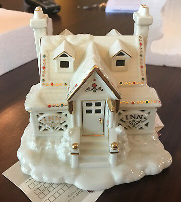 Lenox Village Treasures Mistletoe Park Series Inn - Gorgeous Condition in Box
