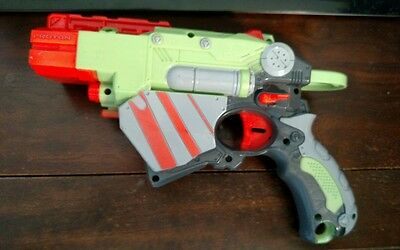 Nerf Vortex Proton Disc Shooting Gun Hasbro 2010 Toy 1 Disc Green Free shipping