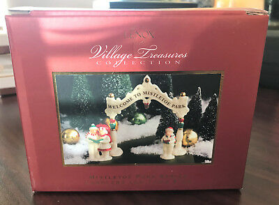 Lenox Village Treasures Mistletoe Park Series - Carolers and Town Sign - RARE