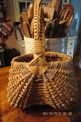 Beautiful Vintage Buttocks Basket - Lots Of Detail - Great Condition