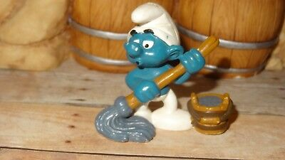 Smurfs Mop and Bucket Smurf Vintage Rare Classic Display Figure