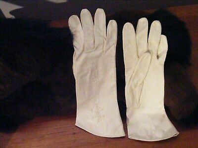 women's vintage white kid leather gloves;sz 6 1/2;West Germany