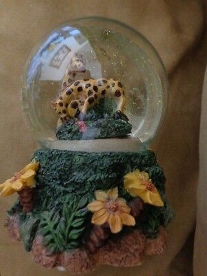 "Collectable Musical  Snow Globe Giraffe Pair * Plays ""Everything is Beautiful"""