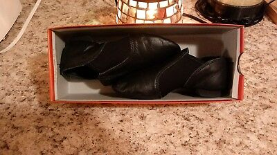 Capezio Kids Solid Black Leather Jazz Dance Comfy Shoes Size 13.5 M