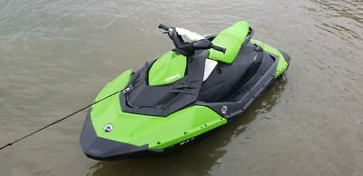 Seadoo Spark 2016 2UP 90hp with trailer