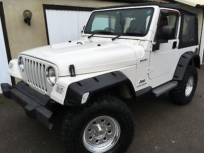 2004 Jeep Wrangler 4.0 Sport Automatic with Air Conditioning in white, 47k miles