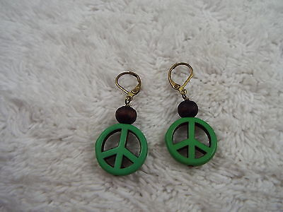 Green Peace Sign Symbol Pierced Earrings (A57)