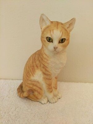 Vtg Resin Realistic Sitting Ginger Tabby Cat Figurine Hand Painted Glass Eyes