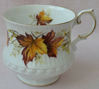 Rosina China Co Ltd England Queen'S Fine Bone China White Cup Maple Leaf Brown