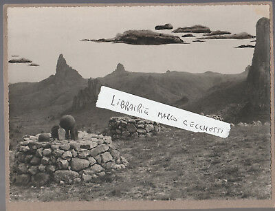 Photo Originale -  Tombes A Rhumsiki, Nord-Cameroun - Afrique 1952 - Funeraire