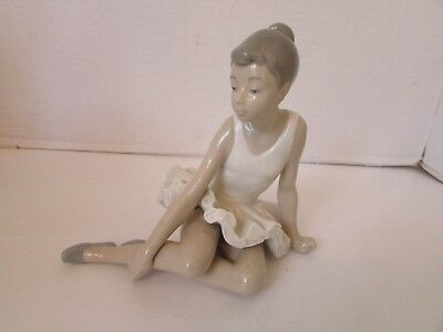 """Nao By Lladro Seated Ballerina Figurine 6"""" Tall Made In Spain"""