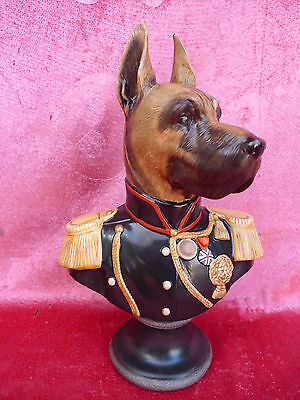 schöne Porzellanbüste__Hund in Uniform__Thiery Poncelet__Goebel  !