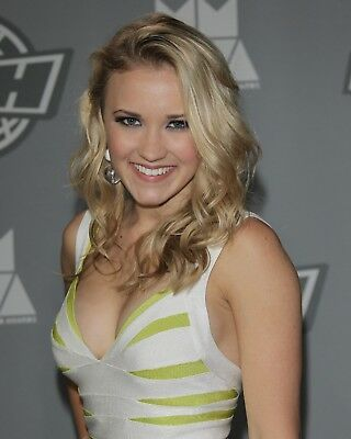 Emily Osment 8 x 10 / 8x10 GLOSSY Photo Picture IMAGE #2
