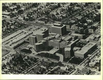 1979 Press Photo Aerial view of St. Joseph's Hospital complex in Milwaukee
