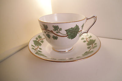 Vintage Crown Staffordshire Fine Bone China England Cup & Saucer Green Ivy