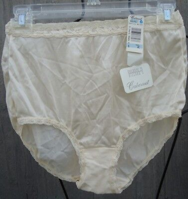 NOS Vtg Beige SILKY Nylon Panties Mushroom Gusset 6 waist 22-31 AS IS Elastic