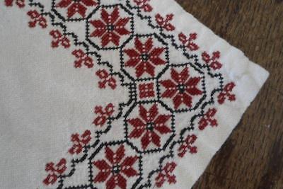 """Vintage Table Runner Dark Red Assissi Embroidered Snowflakes 47"""""""