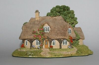 Lilliput Lane Cottages: Rustic Root House (English Collection - Midlands)