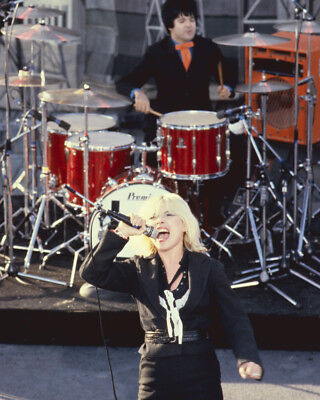 Debbie Harry Belting Out Number On Stage Blondie Concert 8X10 Photo