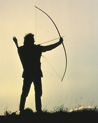 Robin Hood: Prince Of Thieves Kevin Costner In Silhouette Aiming Bow 16X20 Photo