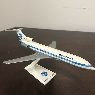 Small Pan Am Airlines Plastic Desk Model Airplane Boeing 727-200