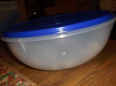 NEW Tupperware Fix N Mix Salad Serving Bowl 26 Cup Large Sheer Blue Seal 274