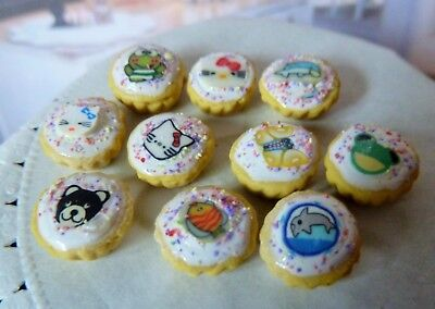 Dolls House Miniature Food * 10 X Frosted Animal Cupcakes * Combined P+P