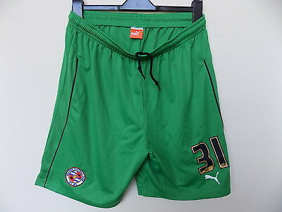 player issue Reading FC goalkeeper football shorts by puma size l royals fc 31