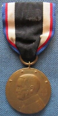Original, full size US Occupation of Germany Medal, with slot brooch