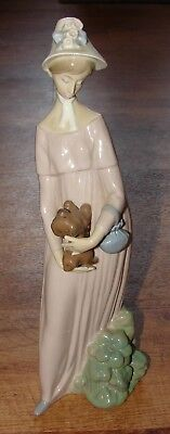 Lladro Looking At Her Dog ~ My Little Pet ~ #4994 Figurine ~ Lady W/dog