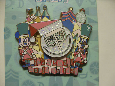 DISNEY PIN LE 2000 DLR - It's a Small World Holiday 2015