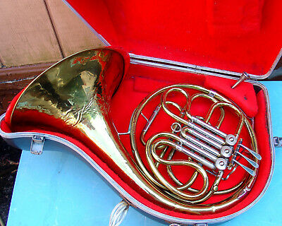 Unmarked FRENCH HORN with mouthpiece and hard shell case