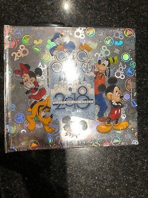 Walt Disney World 2018 Year To Be There Mickey Autograph Book & Pen Photo Album