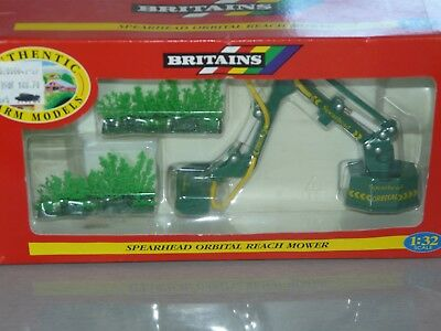 BRITAINS épareuse SPEARHEAD ORBITAL REACH MOWER 1/32