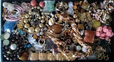 Job Lot of Vintage Jewellery & Findings glass beads clasps agate charms bracelet