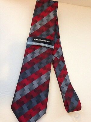 NWT Men's John Ashford Red/Gray Geometric Design Tie