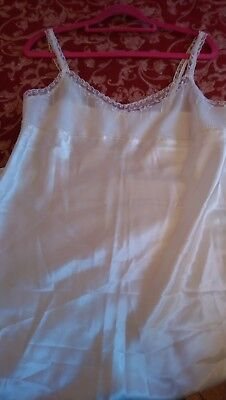 Ladies beautiful Underslip Size 12 in Ivory/lace