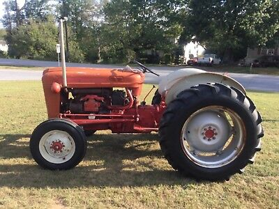 601 Ford Workmaster Diesel Tractor  4033 Hours