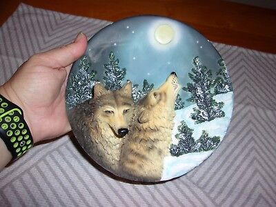 Collectible Wolves Wall Plate