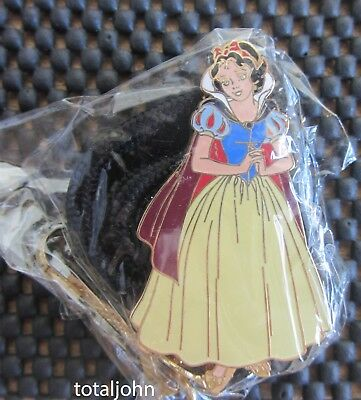 Disney Snow White with Cape Cast Bolo Lanyard