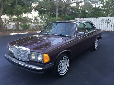 1985 Mercedes-Benz 300-Series 300D Turbodiesel W123 Classic Mercedes 300D Turbodiesel Low Miles Garage Kept Florida Collector's Item