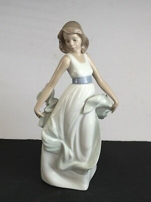 Lladro NAO Porcelain WALKING ON AIR Figurine 1343 Young Girl in Ribbon Dress