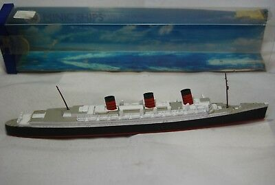 Vintag Minic M.703, 1:1200 scale  RMS Queen Mary Metal Toy Ship by Hornby