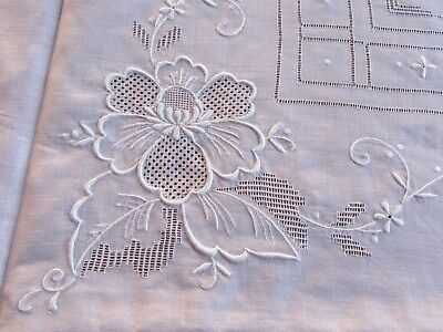Embroidered Pale Pink Linen Tablecloth  6 Napkins Vintage Drawn Work