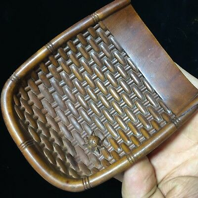 Chinese Rare Collectible Old Boxwood Handwork spider Dustpan Antiques Statue