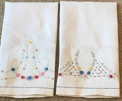 Vintage Pair Ivory Linen Hand Embroidered Floral Large Hand Towels Never Used
