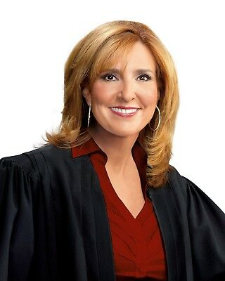 Judge Marilyn Milian / The People's Court 8 x 10 / 8x10 Glossy Photo Picture