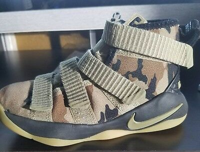 NIKE Lebron James Solider Camo High Top Basketball Athletic Shoes Kids 12C  EUC 323b0b52d397c