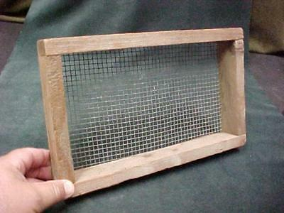 Vintage Primitive Hand Made Wooden & Screen Sieve Farm Grain Potting Soil Garden