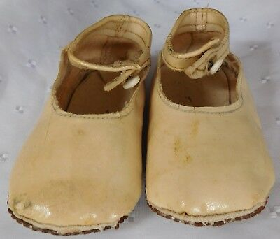 CC41 baby shoes vintage 1940s WW2 authentic war time infants childrens clothes